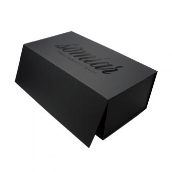 black magnetic folding box