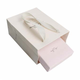 holiday pink gift boxes with lids
